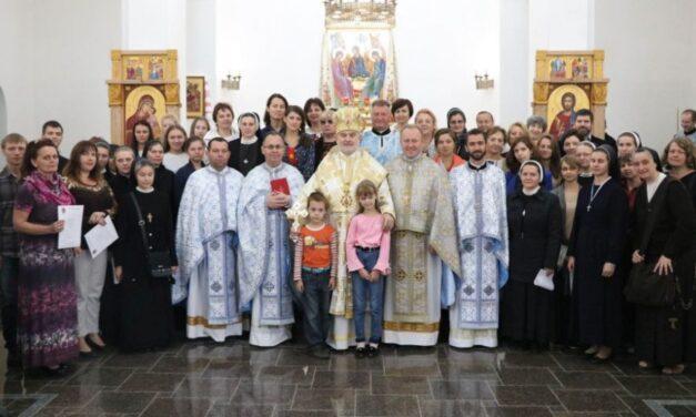 Єпископ Йосиф Мілян вручив канонічні місії катехитам Київської архиєпархії