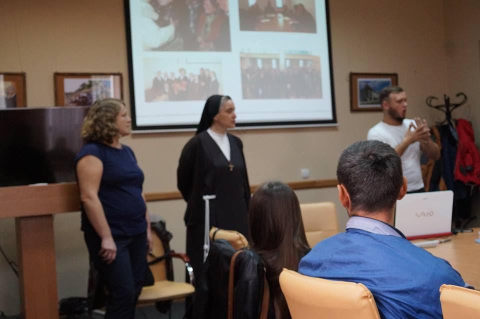 20 вересня відбулася зустріч с. Вероніки Донателло (Рим) з нечуючими