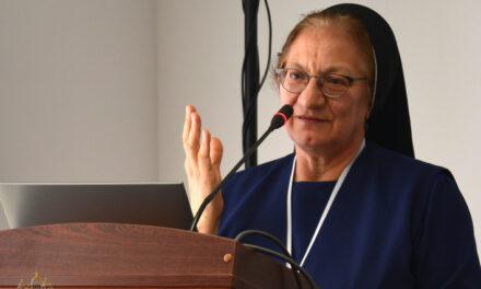 «Сподіваюся, Синод сформулює відповідні рішення та механізми для покращення катехитичного служіння», — сестра д-р Луїза Цюпа