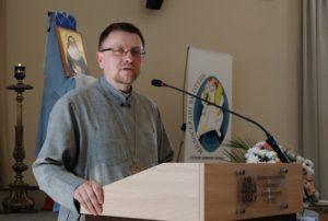 Владика Володимир Груца вітає учасників конференції