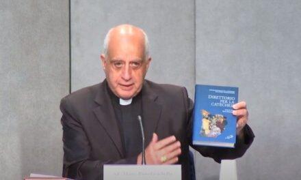 У Ватикані представлено новий «Катехитичний довідник»