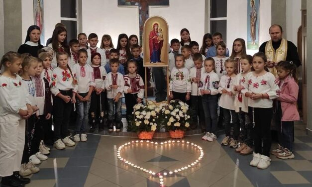 «Мільйон дітей моляться на вервиці 2021» (фотоогляд)