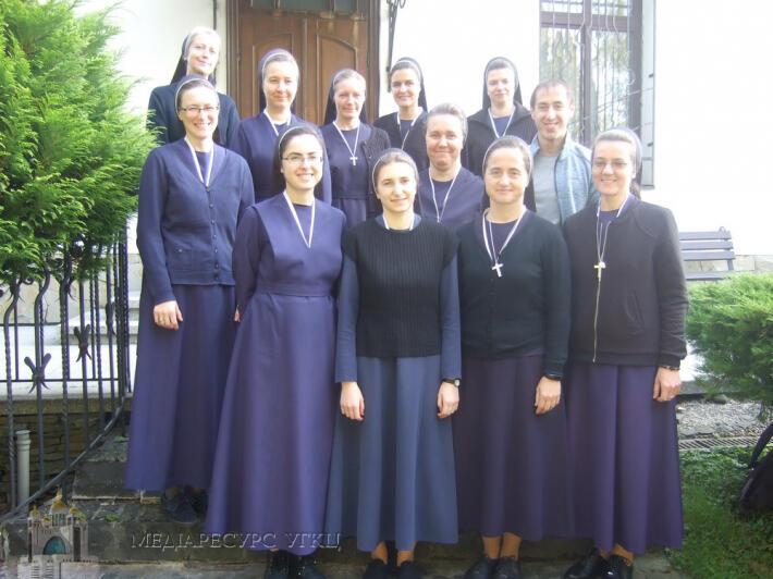Сестри служебниці провели катехитичний семінар «Від серця катехита до серця дитини»