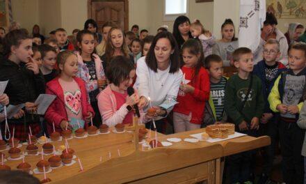 Дитяча вервиця у Києві та Львові